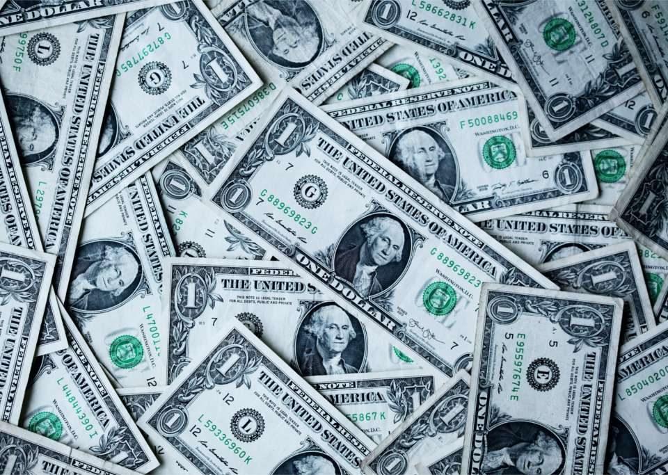 Czy uzyskując dochody za granicą można starać się o kredyt w Polsce