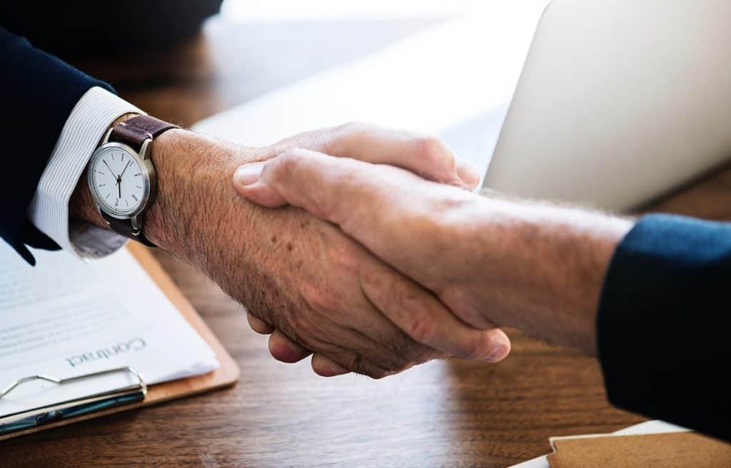 Jak negocjować warunki umowy kredytowej z bankiem