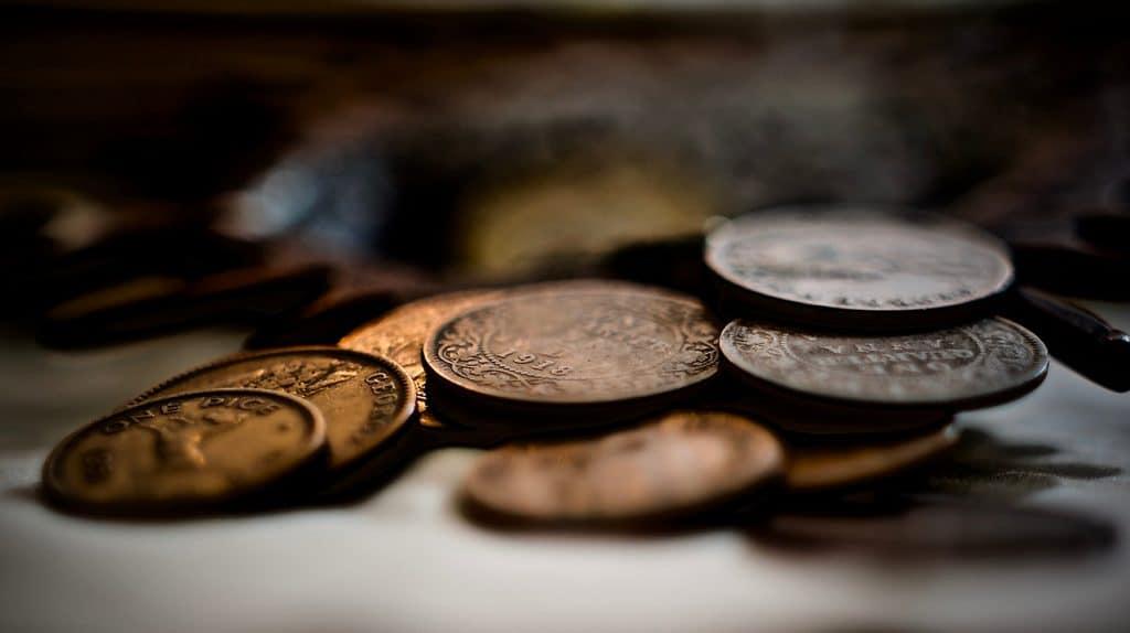Płatność kartą za granicą oraz wybór waluty