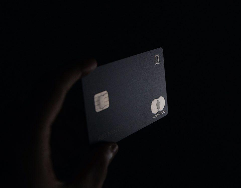 Zadłużenie na karcie kredytowej a przeprowadzka na stałe za granicę